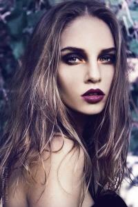 http%3A%2F%2Fwww.stripesandsequins.com%2Fwp-content%2Fuploads%2F2013%2F10%2Fbold-lips-2